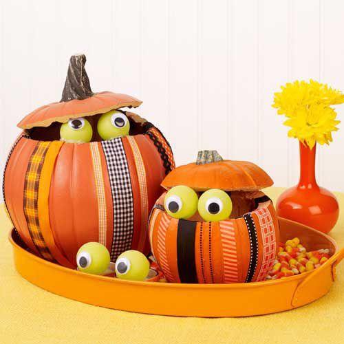 Peeking Pumpkins