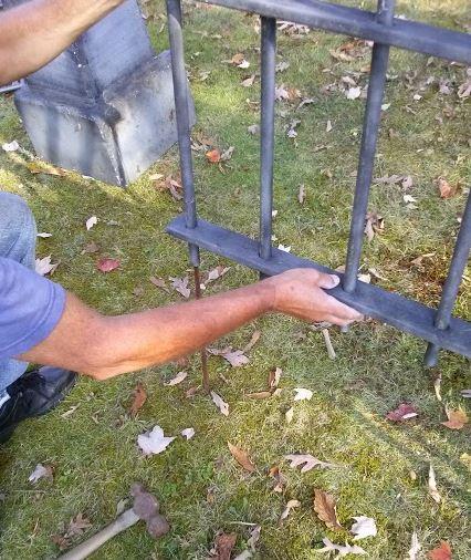 make a Halloween fence