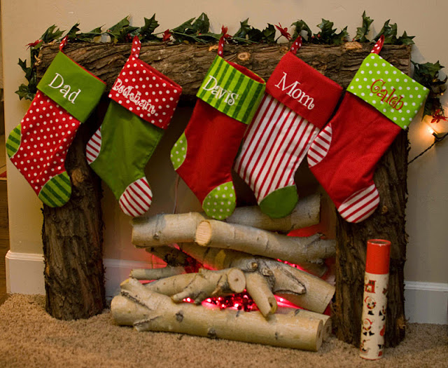 It's so much fun to decorate the mantel each year and add a new little piece of pizzazz to it. Here are 10 Christmas Fireplace Mantel Ideas that I LOVE!