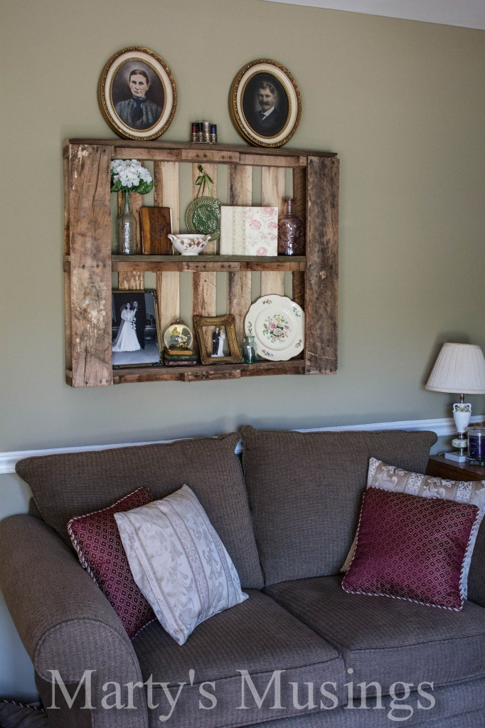 10 DIY Pallet Decorating Ideas - Perfect for Your Home or ... on Pallets Design Ideas  id=76260