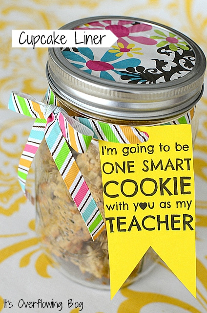 teacher gift - mason jar homemade cookie mix