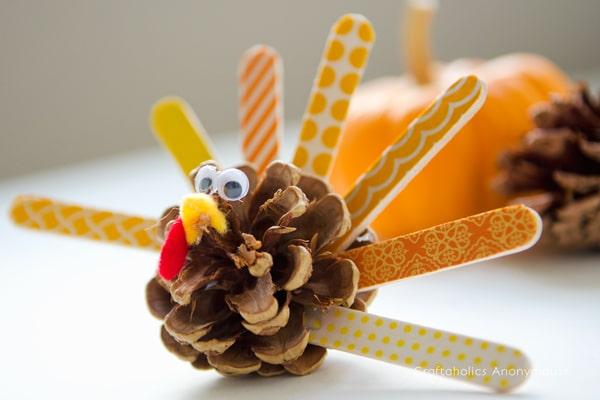 Pine Cone Craft Ideas For Festive Fall Decorating Saving