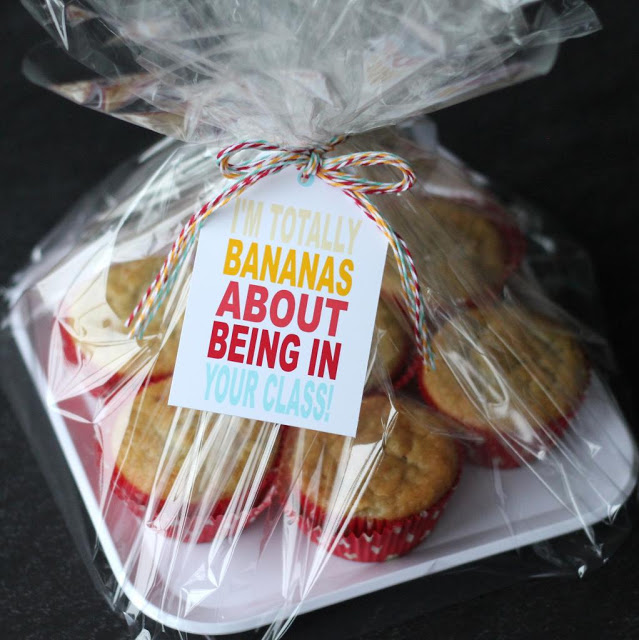 teacher gift - banana muffins
