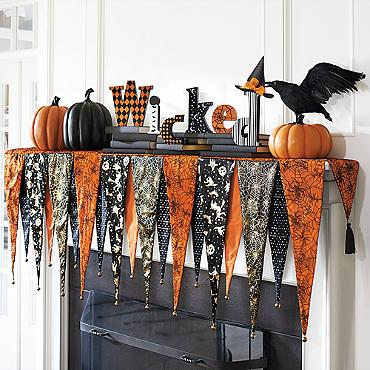 These Halloween fireplace mantels will inspire you to create a perfectly decorated seasonal fireplace in your home...I'm sure it's going to be SPOOKtacular!