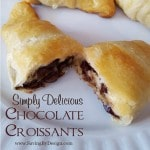 You only need three ingredients for these quick and easy chocolate croissants! Your inner chocoholic will be delighted!