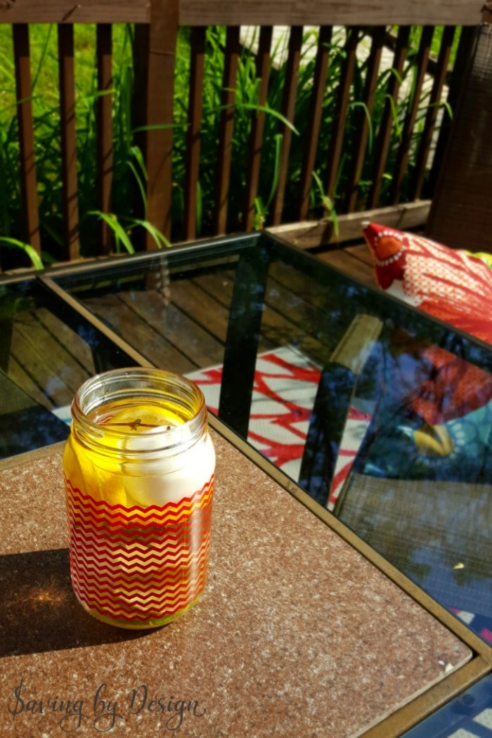 mason jar table decor - outdoor bug repelling