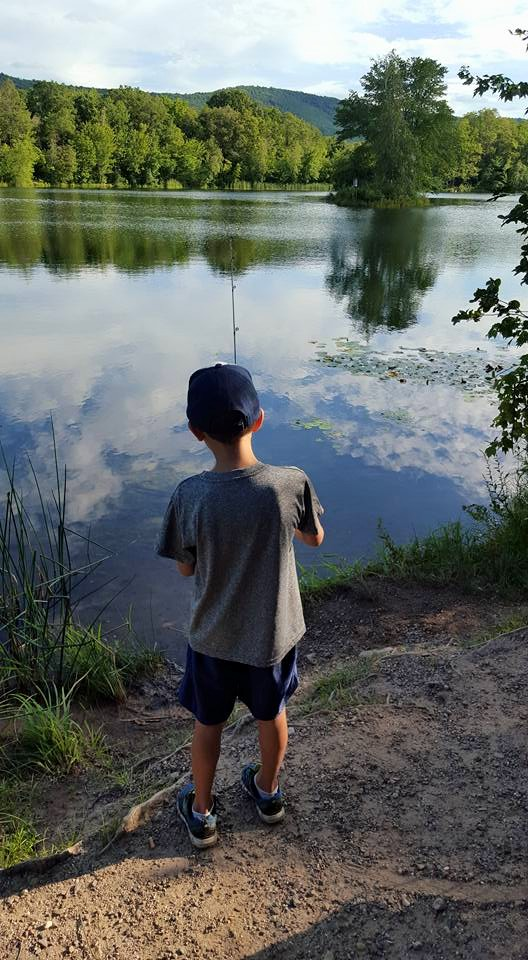 Keep the kids busy without going broke...these cheap or free summer activities will keep your kids entertained and their minds active during summer break!