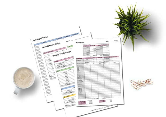 TheBusy Mom Family Budget Packis a simple, yet effective, way to track income and monthly bills, create a budget that works, and pay down burdensome debt.
