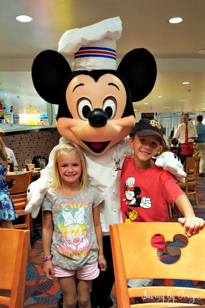 Chef Mickey's dinner buffet