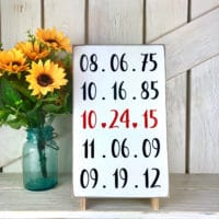 gallery wall ideas - family dates sign